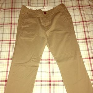 Selling these hollister chino size 29x30